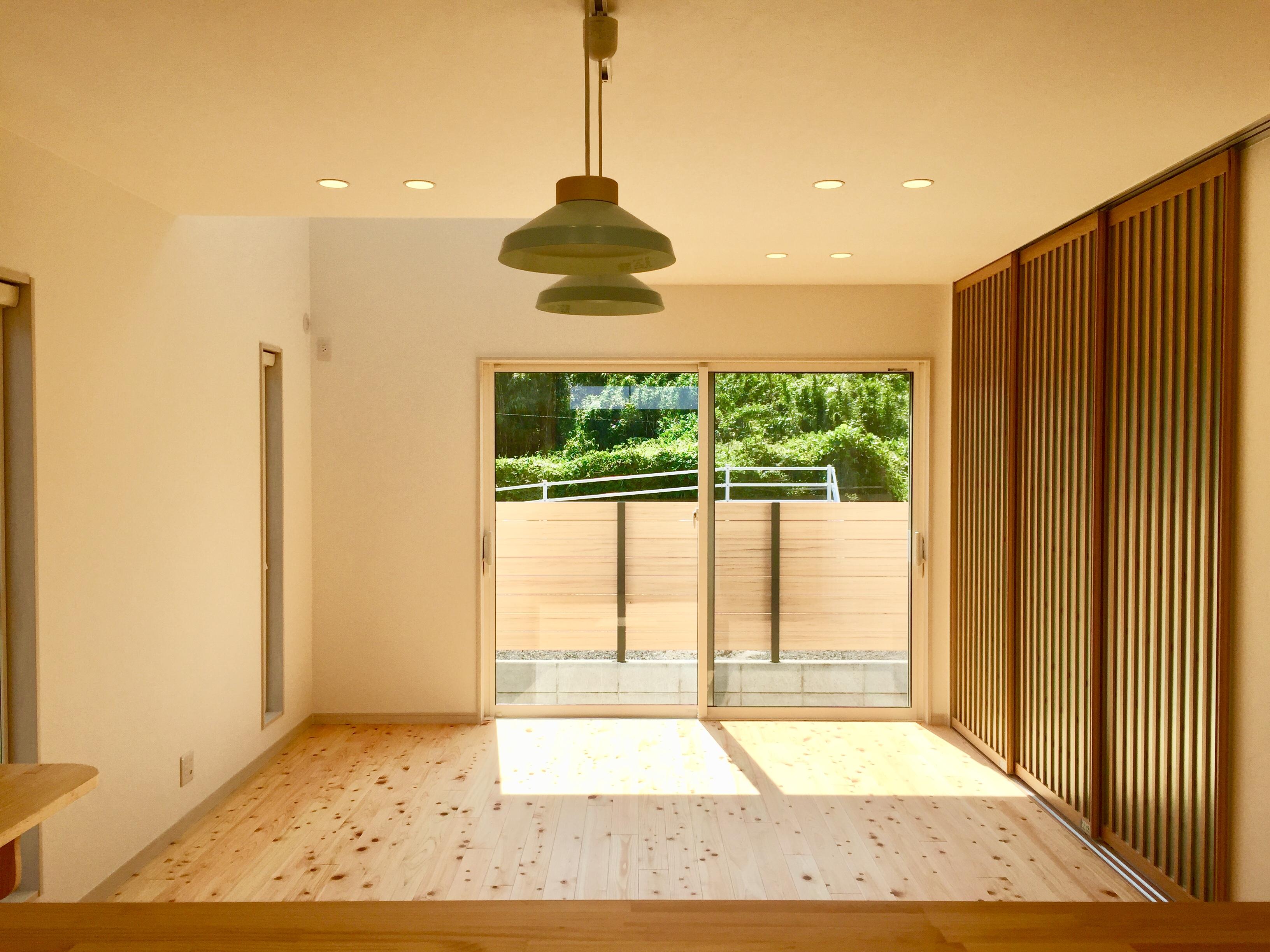 檜木が香る空色のお家。